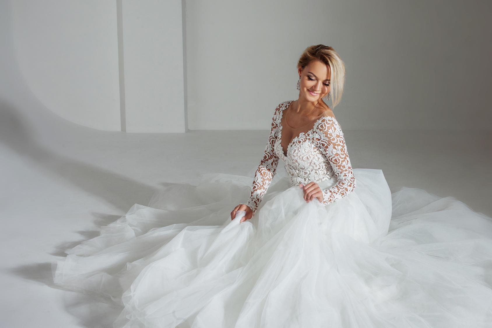 e567069843 Jak wybrać wyjątkową suknię ślubną właściwą dla Ciebie ...