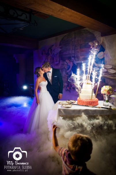 Kiedy podać tort weselny