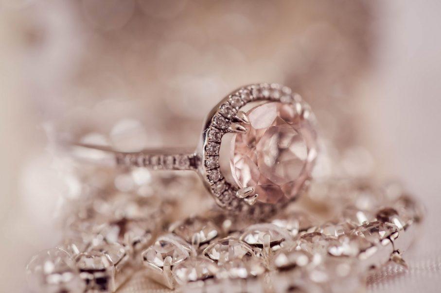 pierścionek zaręczynowy,biżuteria ślubna