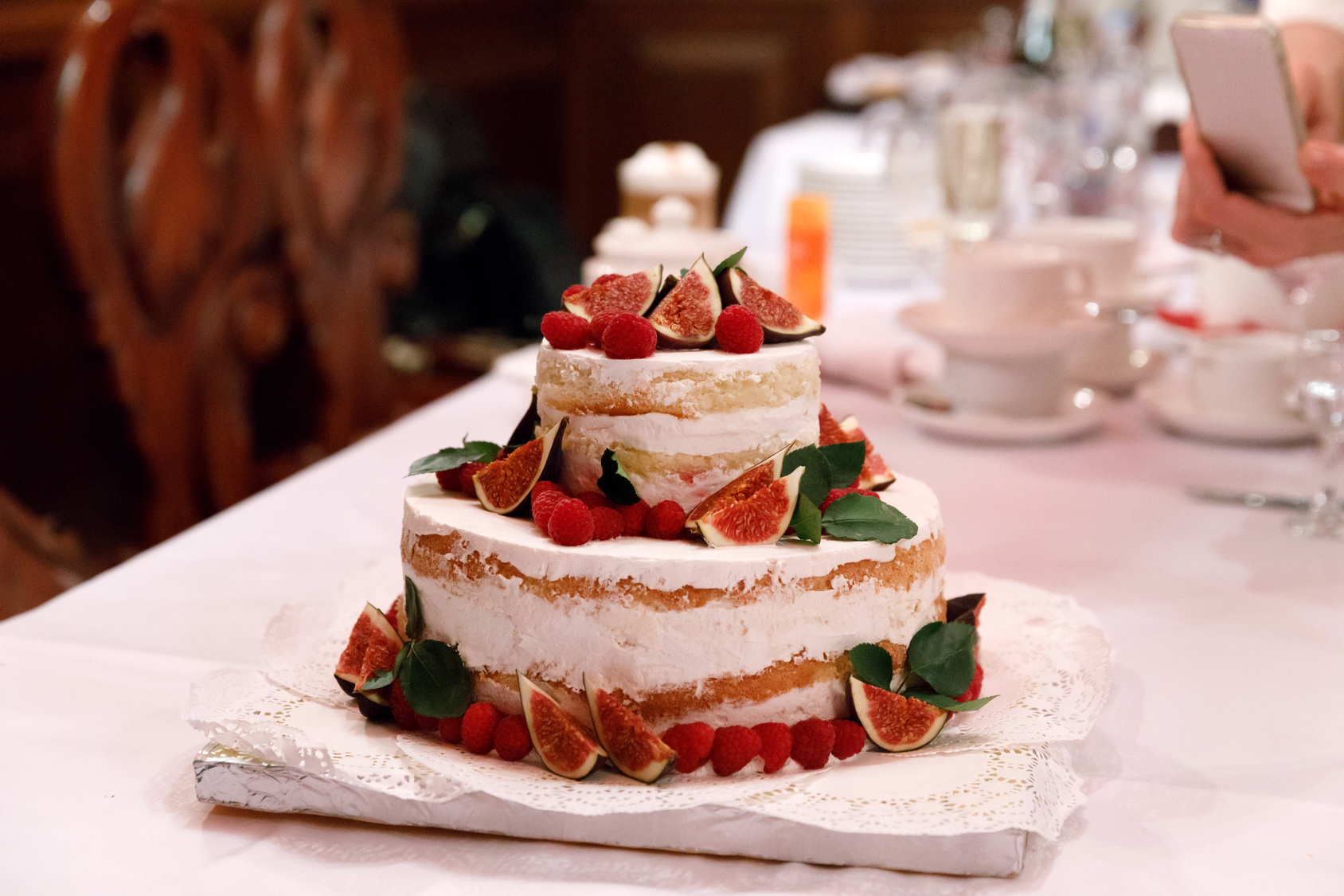 tort na ślubny, tort ślubny z owocami