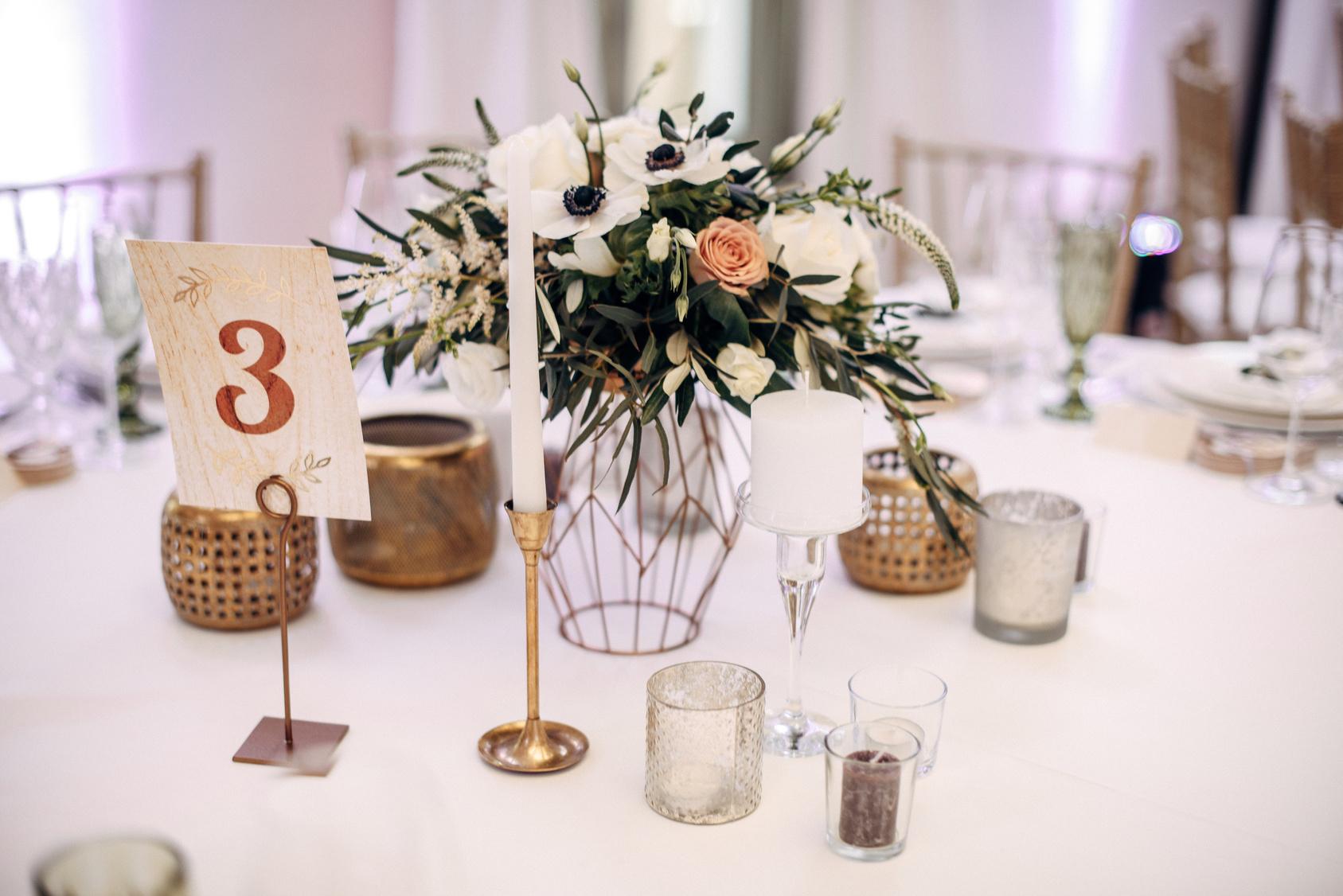 dekoracja stołu podczas wesela