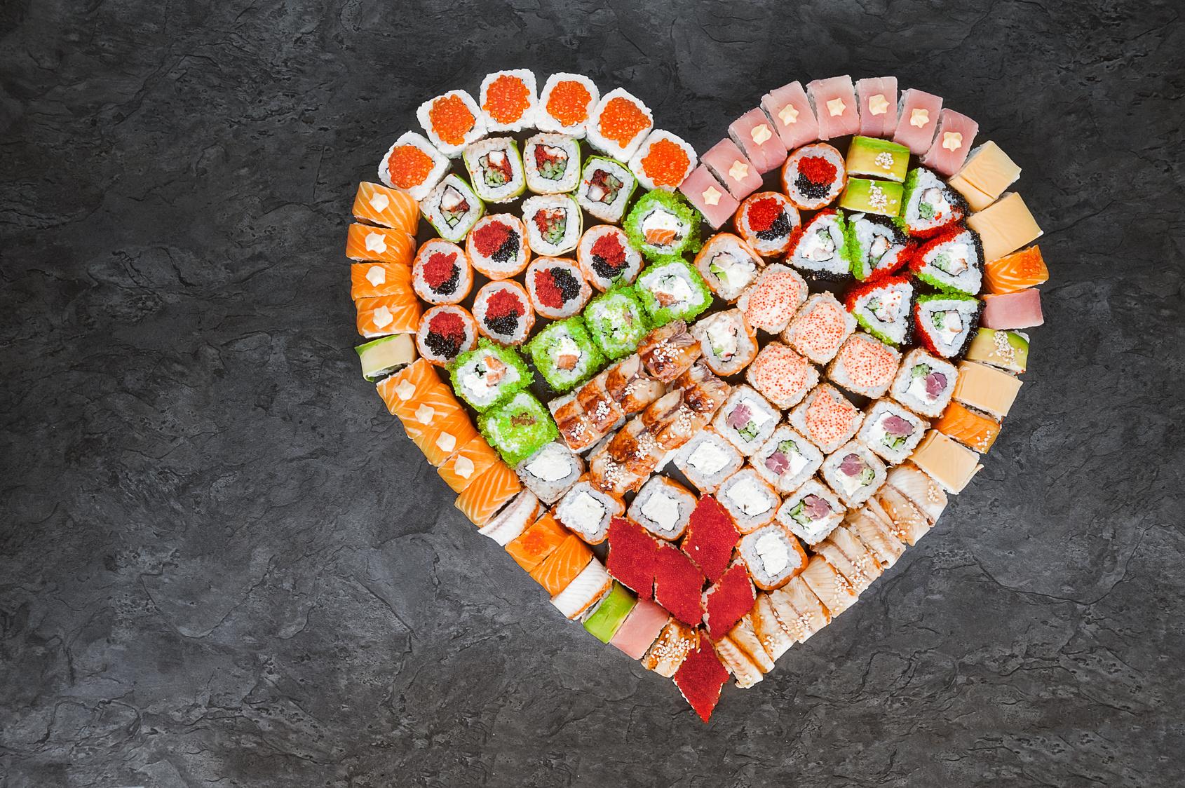 serce zrobione z sushi